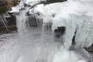 cascadesfrozen