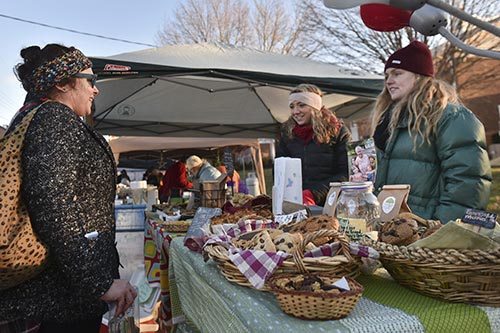Applications open for Christmas at the Market vendors