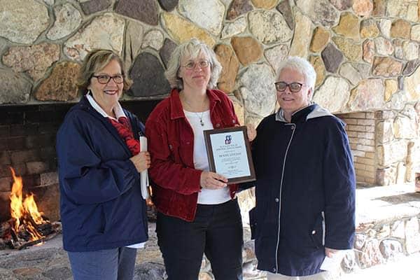 Penny Livesay Receives 2019 Alice Taylor Award